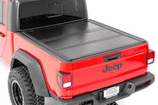 Rough Country 47620500 Jeep Low Profile Hard Tri-Fold Tonneau Cover (2020 Gladiator   5' Bed)